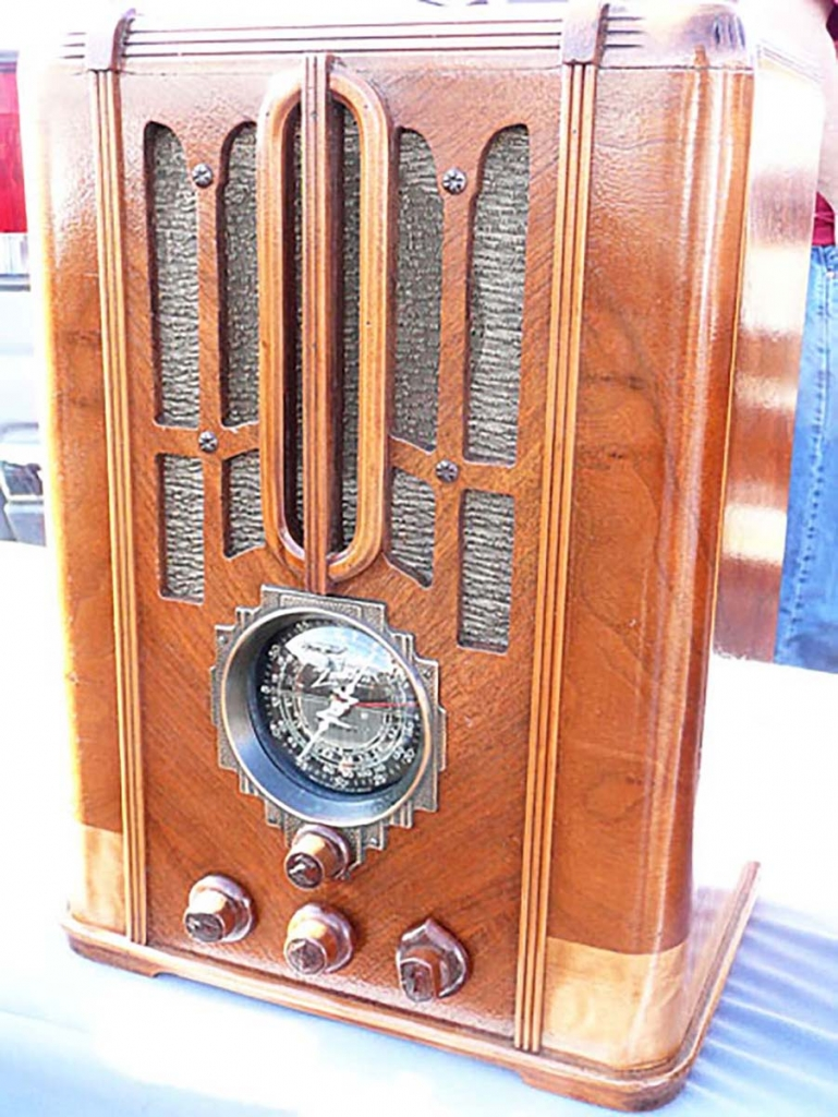 Tombstone radio
