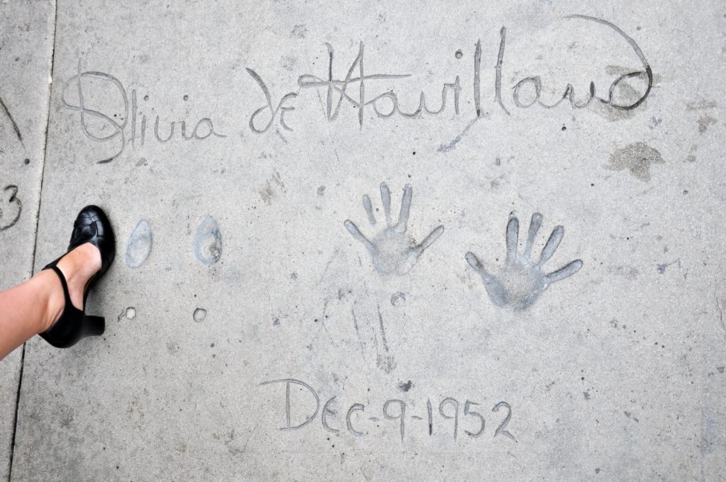 Grauman's footprints Olivia de Havilland